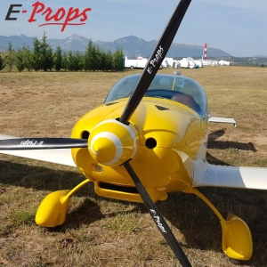FK14 ROTAX 912S eprops durandal tripale